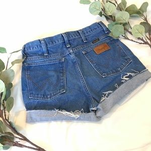 Wrangler   Vintage High Waisted Mom Shorts H149
